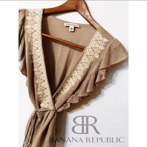 Banana republic dark tan ruffle embroidery tie